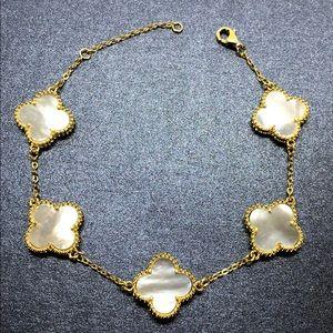 Jewelry - 5 Stones MOP Leaf Clover Flower 18K Gold Bracelet
